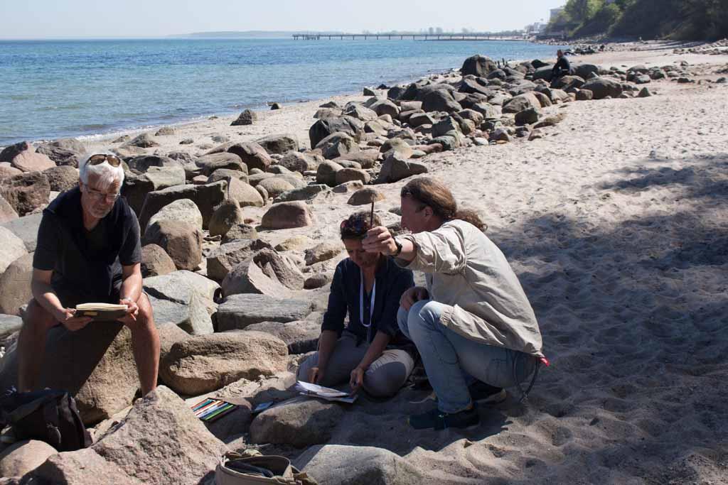 PLein Air Festival 2018 - Jens Hübner mit Malerschülen am Strand von Heiligendamm (c) Frank Koebsch (3)