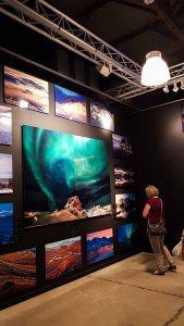 Die Ausstellung – Mit Fotografie die Welt erklären – im Rahmen des Umweltfotofestival - horizonte zingst in der Multimediahalle (c) FRank Koebsch (3)