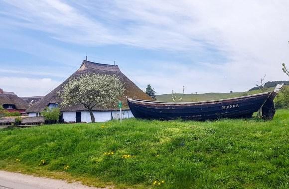 Pfarrwitwenhaus von Groß Zicker im Frühling (c) Frank Koebsch (1)