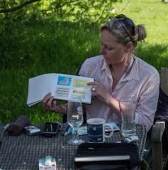 Plein Air Festival 2018 - Die Aquarellmaler werten in der Alten Büdnerei Ihren Workshop aus (c) Frank Koebsch (22)