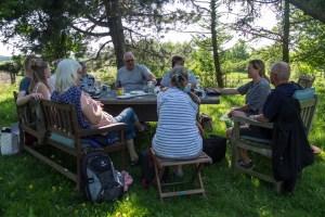 Plein Air Festival 2018 - Die Aquarellmaler werten in der Alten Büdnerei Ihren Workshop aus (c) Frank Koebsch (3)