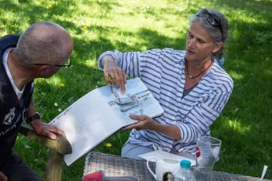 Plein Air Festival 2018 - Die Aquarellmaler werten in der Alten Büdnerei Ihren Workshop aus (c) Frank Koebsch (53)