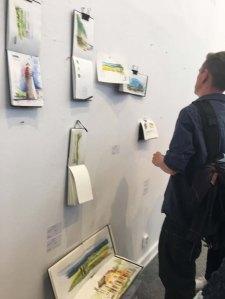 Und die Urban Sketcher nagelten gleich ihre gesamten Bücher an die Wände. (c) Sonja Jannichsen (1)