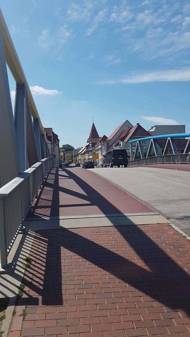 Auf der Warnowbrücke von Schwaan (c) Frank Koebsch