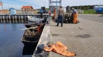 Fischer im Hafen von Thiessow (c) Frank Koebsch (1)