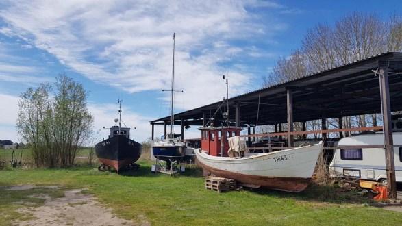 Immer mehr Boote und Schiffe bleiben an Land (c) Frank Koebsch