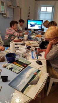 Bei Schlechtwetter malen wir die Fischerboote in der Ferienwohnung tohus in Middelhagen (c) Frank Koebsch (1)