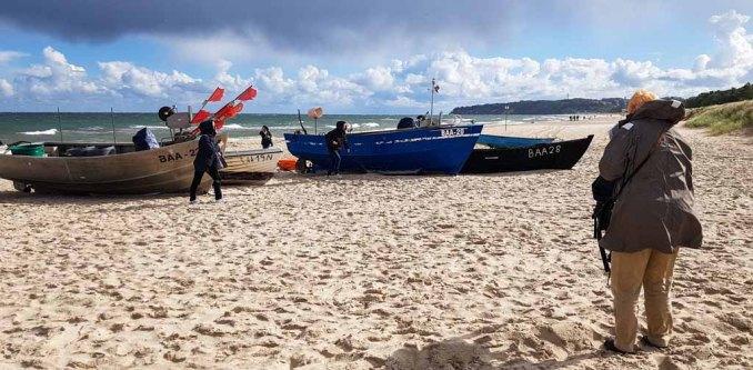 Wir erkunden unsere Motive - die Fischerboote am Strand von Baabe (c) Frank Koebsch (2)