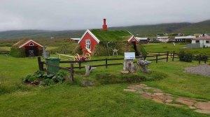 Altes aus Steinen und Grassoden gebautes Haus in in Bakkagerði - Island (c) Frank Koebsch (2)