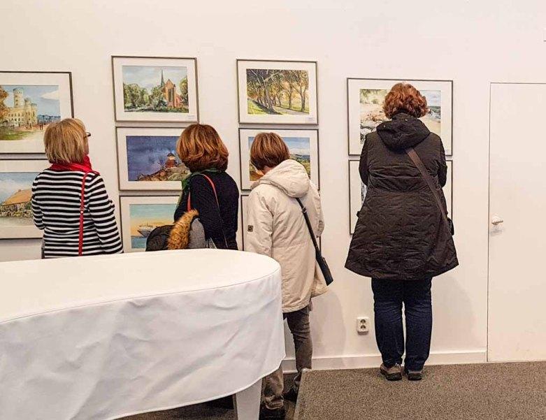 Gäste bei der Eröffnung unserer Ausstellung Farbspiele (c) Frank Koebsch (1)