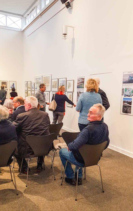 Gäste bei der Eröffnung unserer Ausstellung Farbspiele (c) Frank Koebsch (3)