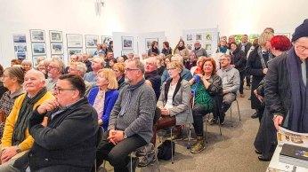 Gäste bei der Eröffnung unserer Ausstellung Farbspiele (c) Frank Koebsch (8)