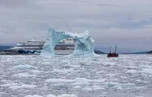 Die AIDA Cara vor Ilimanaq die Disko Bucht (4) Frank Koebsch
