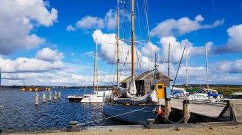 Boote im Hafen von Gager © Frank Koebsch (1)