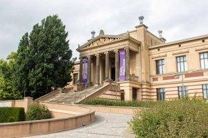 Staatliche Museum Schwerin mit der Ausstellung zu Carl Malchin (c) FRank Koebsch (1)