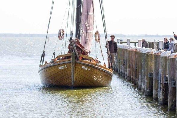 Zeesboot in Hafen von Althagen (c) FRank Koebsch (3)