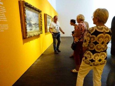 Frank Koebsch erzählt begeistert über die Bilder von Carl Malchin(c) Susanne Haun
