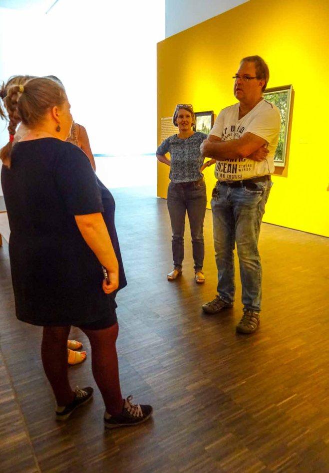 Frau Baumgart und Frank Koebsch beantworten Fragen zu der Ausstellung von Carl Malchin (c) Susanne Haun (1)