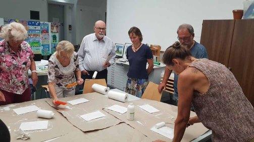 Grundieren der Zigarrenkistenbretter für die Aquarellmalerei (c) Frank Koebsch