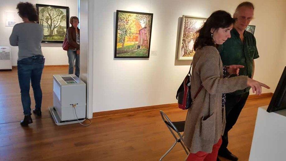 Besuch der Ausstellung - Mein Freud der Baum - im Kunstmuseum Schwaan (c) Frank Koebsch(1)
