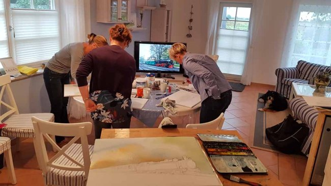 Malreise Rügen - Bei Regen malen wir den Rasenden Roland in der Ferienwohnung to Hus (c) Frank Koebsch (1)