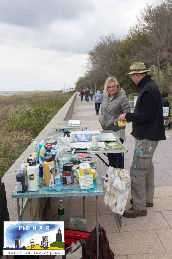 Plein Air Festival – Malen an der Ostsee - Hinrich JW Schüler malt auf der Promenade Von Kühlungsborn © Frank Koebsch (5)