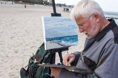 Thomas Freund malt am Strand von Kühlungsborn (c) FRank Kebsch (2)