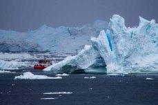 Kutter im Eis in der Diskobucht vor Ilimanaq (c) FRank Koebsch (1)
