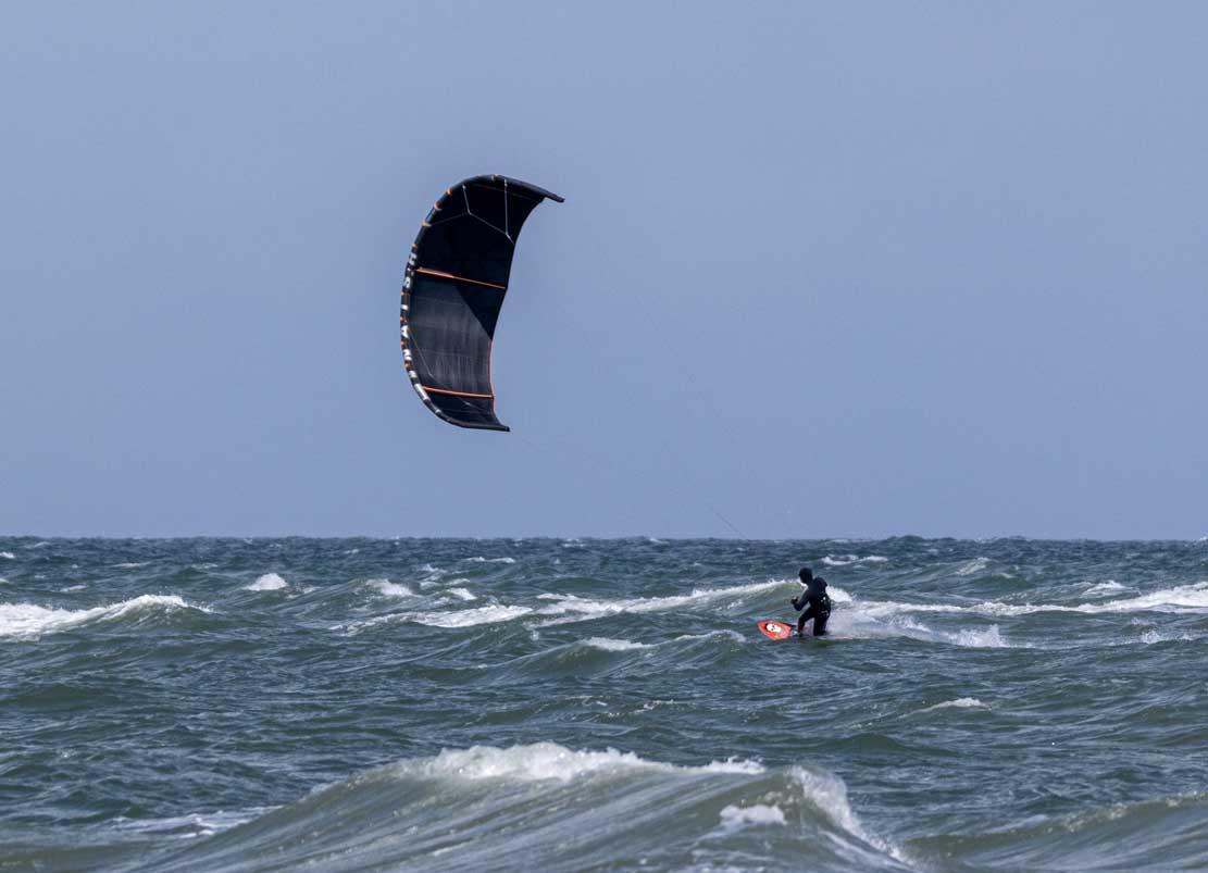 Kitesurfen auf der Ostsee vor Kägsdorf © Frank Koebsch (1)