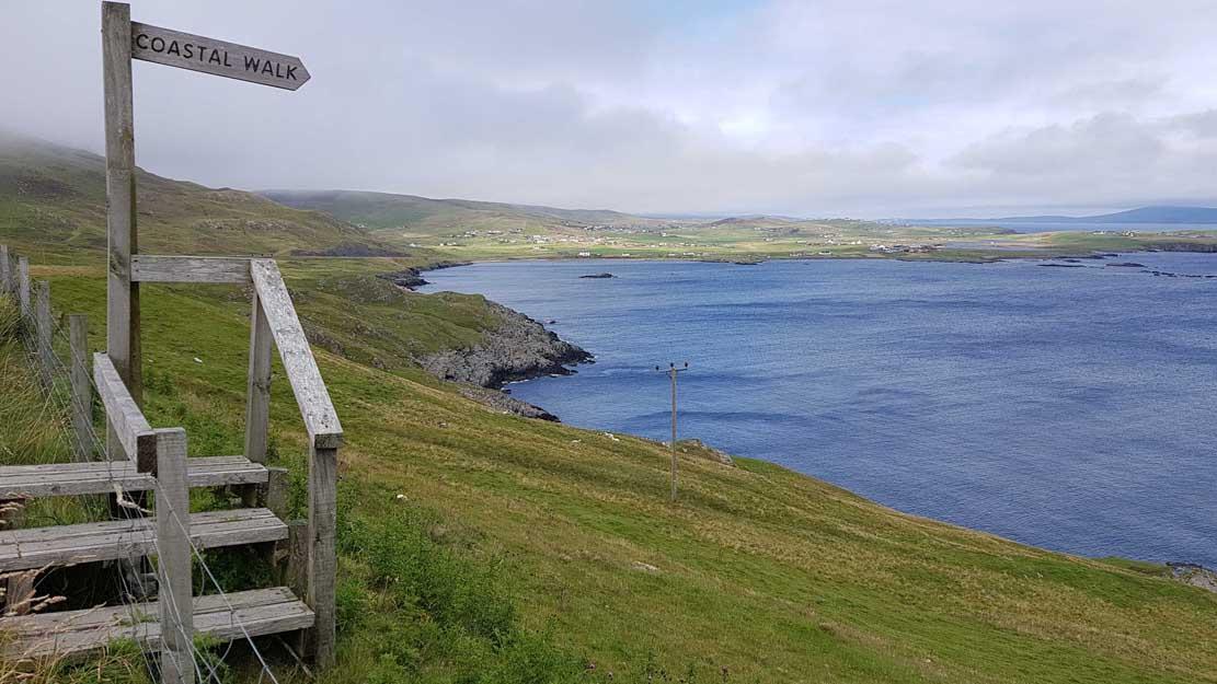 Blick auf die Küste von Lerwick (c) FRank Koebsch (1)