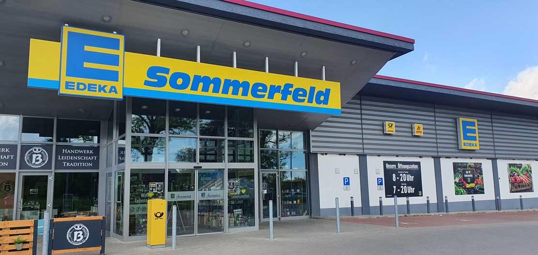 Edeka Sommerfeld im Sanitz liebt nicht nur Lebensmittel sondern auch Schwalben (c) Frank Koebsch (1)