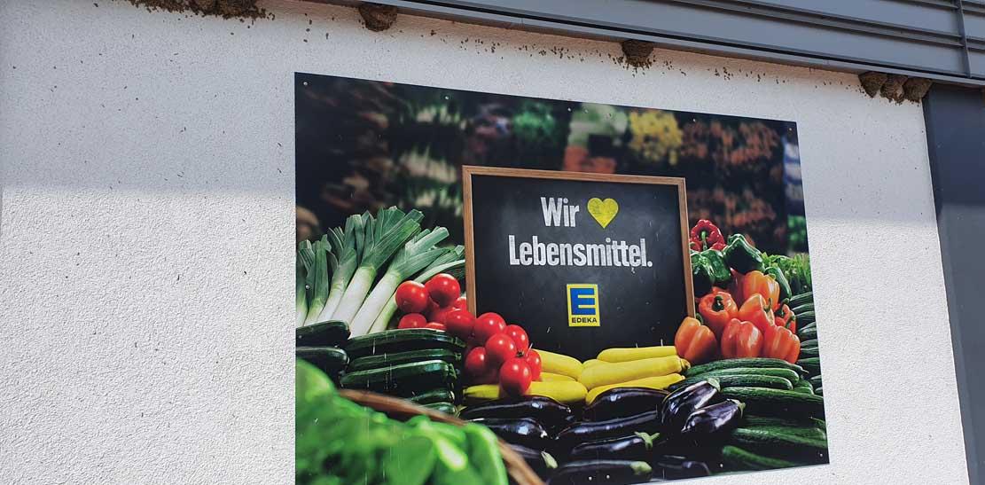 Edeka Sommerfeld im Sanitz liebt nicht nur Lebensmittel sondern auch Schwalben (c) Frank Koebsch (2)