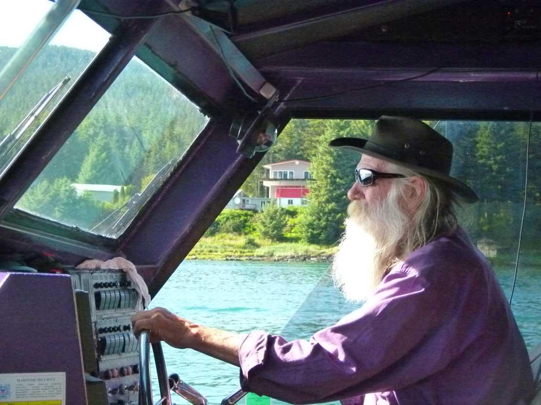 Larry hat Spaß daran mit seinem Boot zum Whale Watching zu fahren (c) FRank Koebsch (1)
