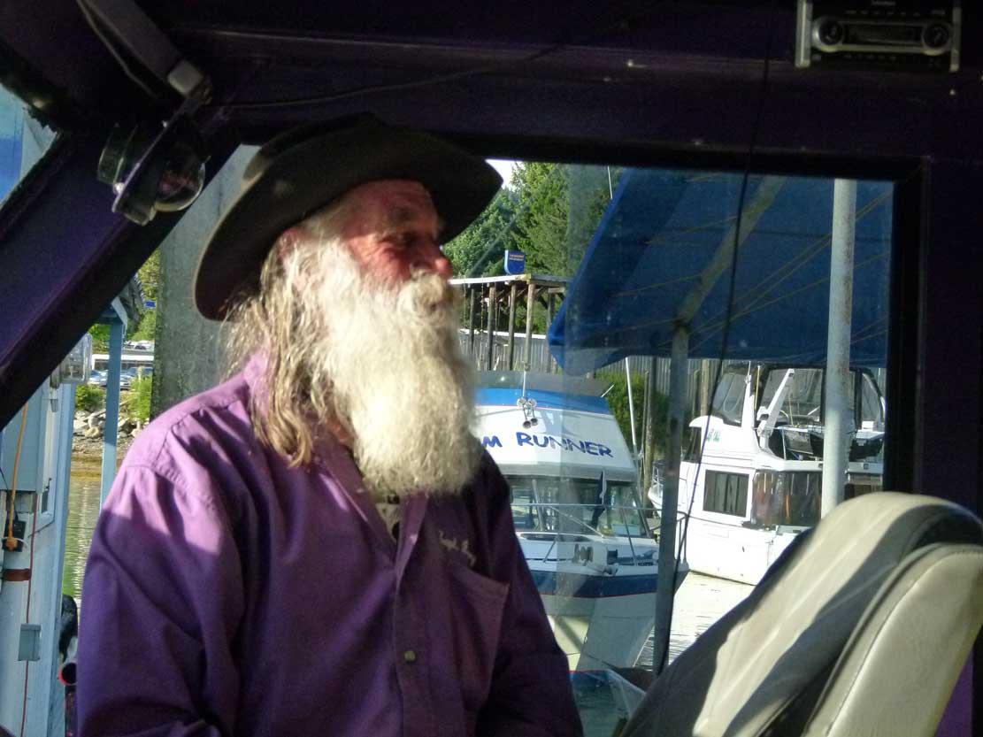 Larry hat Spaß daran mit seinem Boot zum Whale Watching zu fahren (c) FRank Koebsch (2)