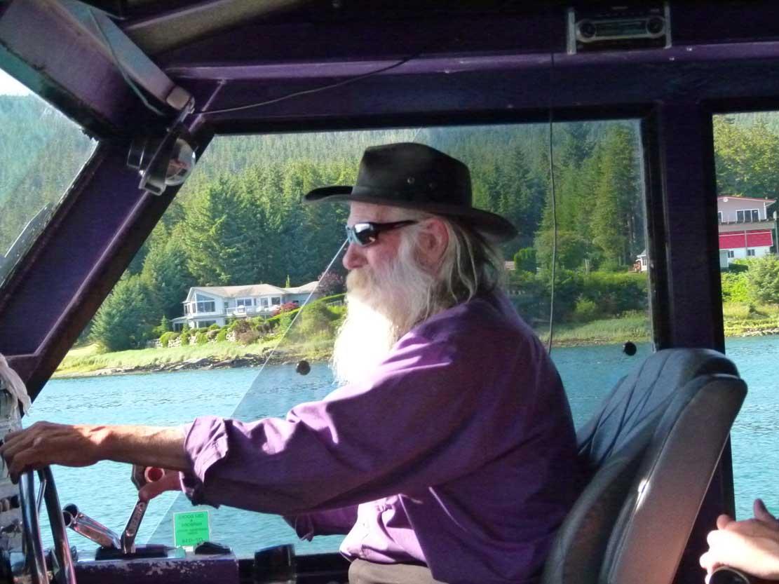 Larry hat Spaß daran mit seinem Boot zum Whale Watching zu fahren (c) FRank Koebsch (3)