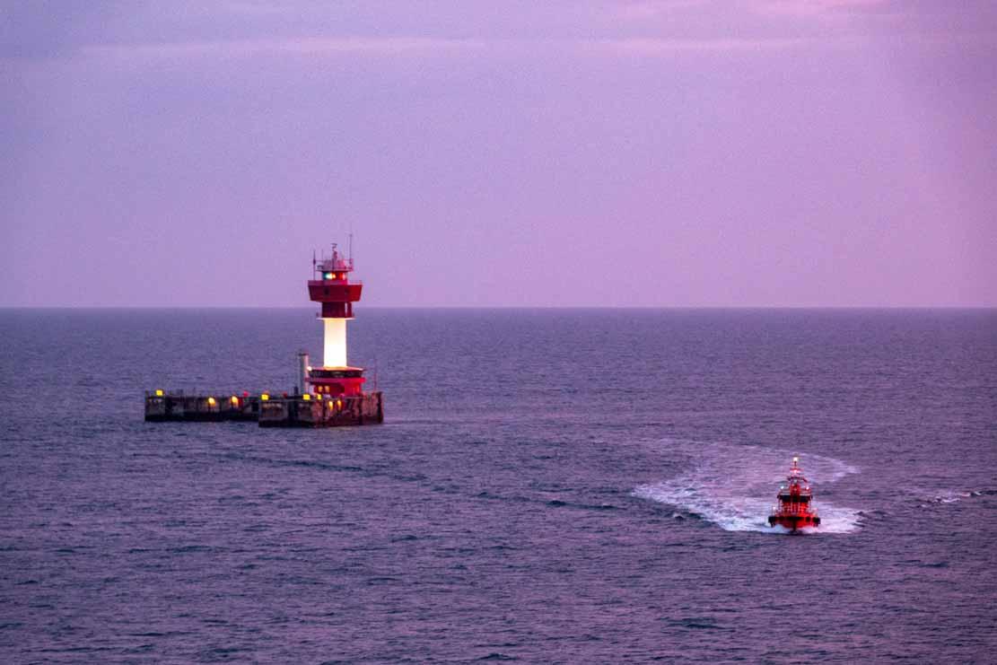 Blaue Stunde morgens am Leuchtturm von Kiel (c) Frank Koebsch (2)