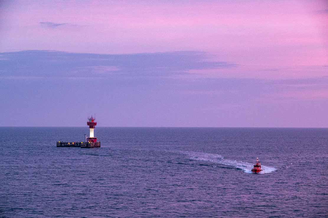 Blaue Stunde morgens am Leuchtturm von Kiel (c) Frank Koebsch (3)